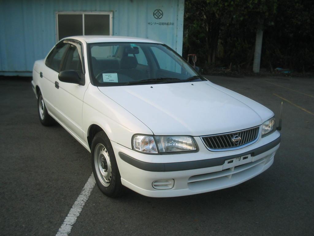 2000 Nissan Sunny Photos