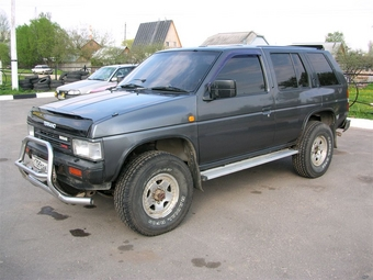 Nissan terrano 1991 foto