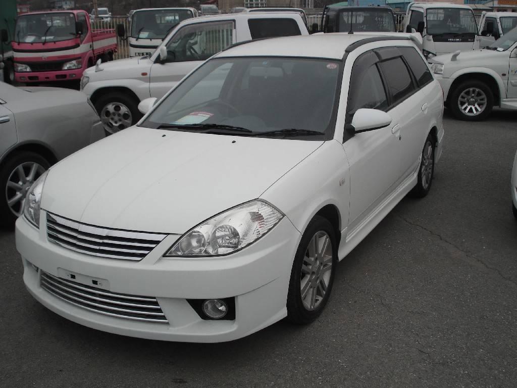 Nissan Wing Road 2000 Model