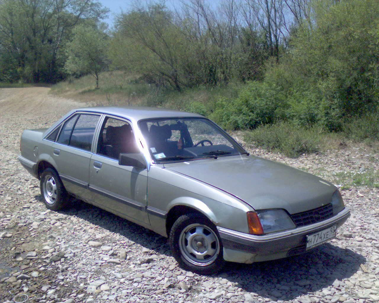 1986 OPEL Rekord Picture