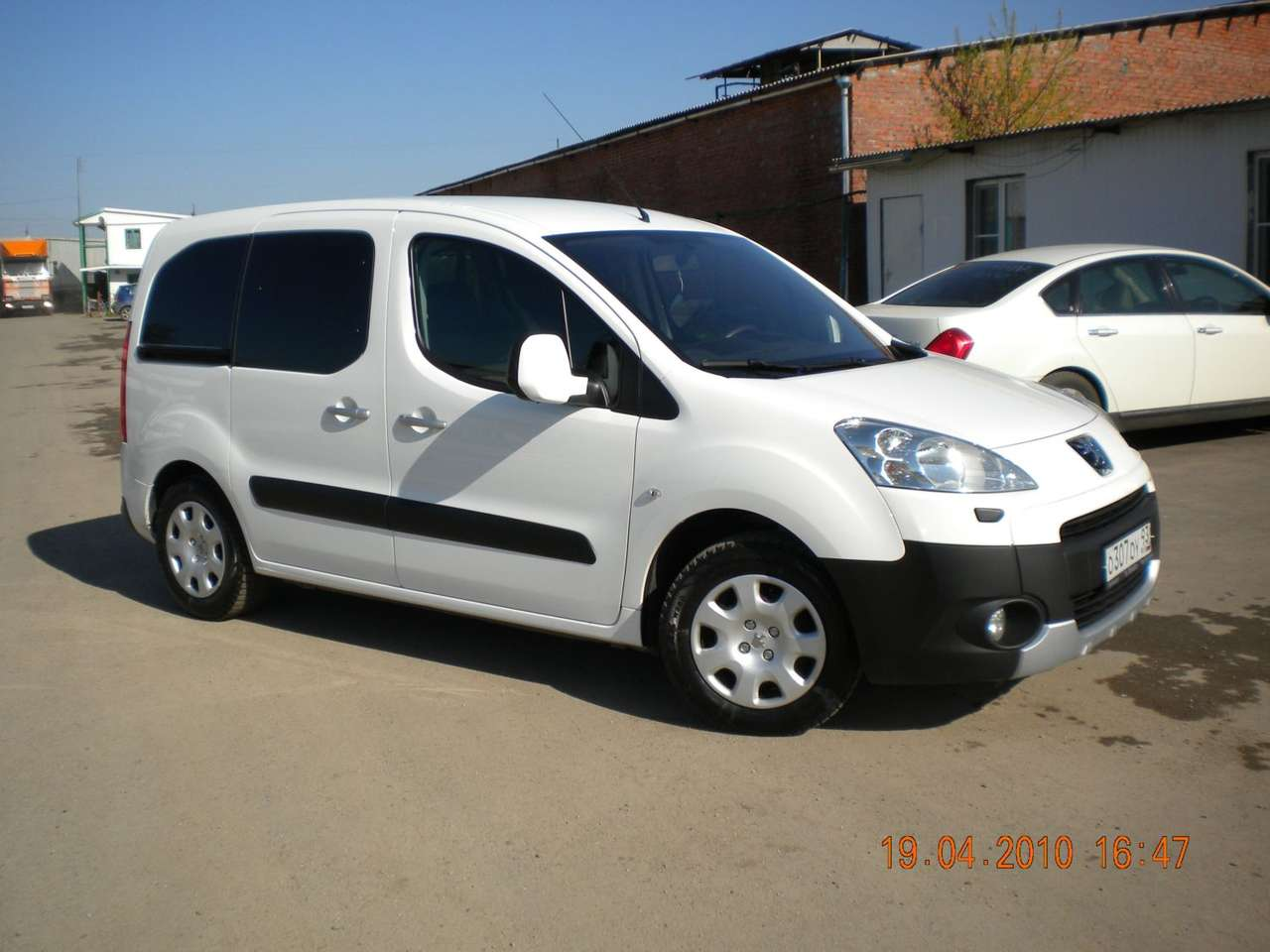Used 2008 Peugeot Partner Tepee Photos, 1600cc., Gasoline, FF, Manual For Sale