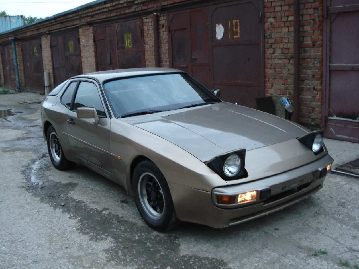 1984 porsche 944 wallpapers gasoline fr or rr manual for sale. Black Bedroom Furniture Sets. Home Design Ideas