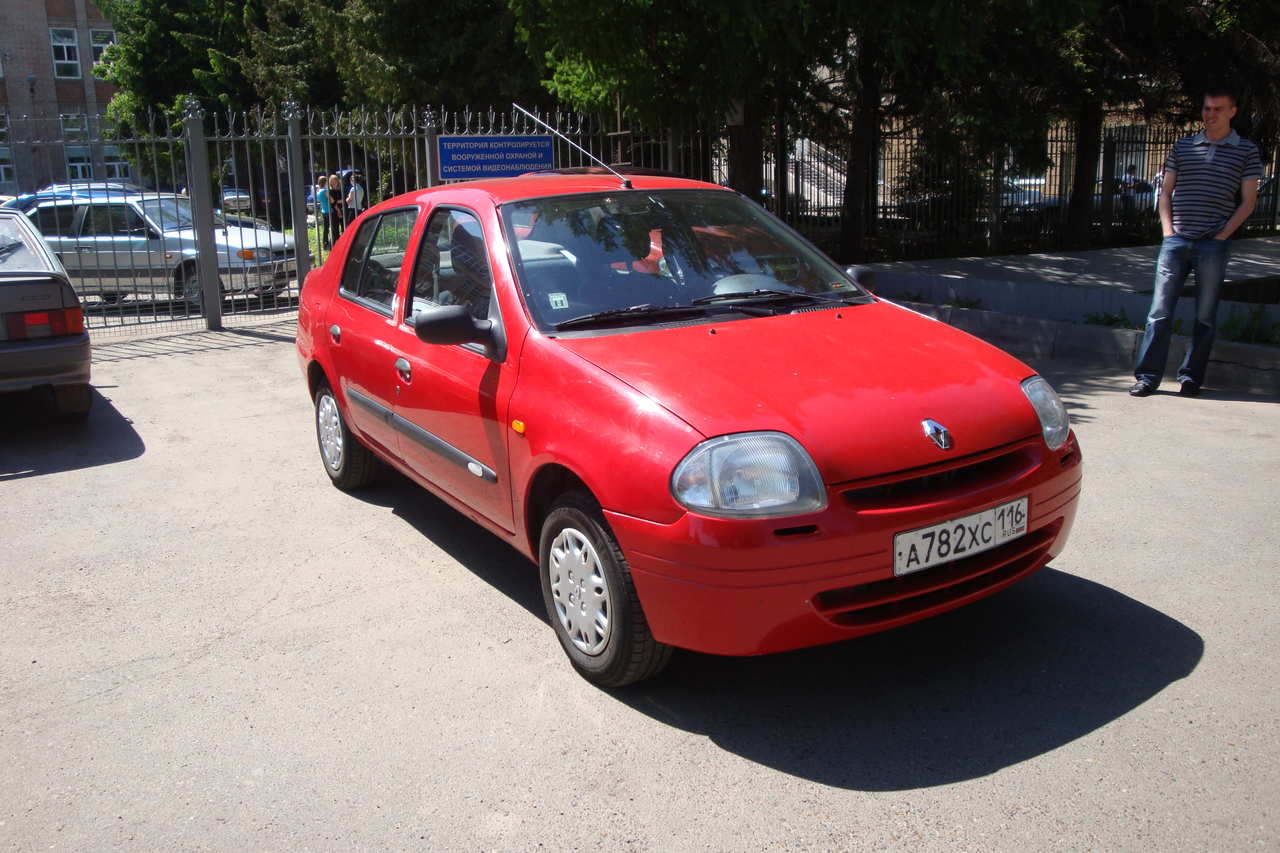 2001 renault clio pictures 1390cc gasoline ff manual for sale. Black Bedroom Furniture Sets. Home Design Ideas