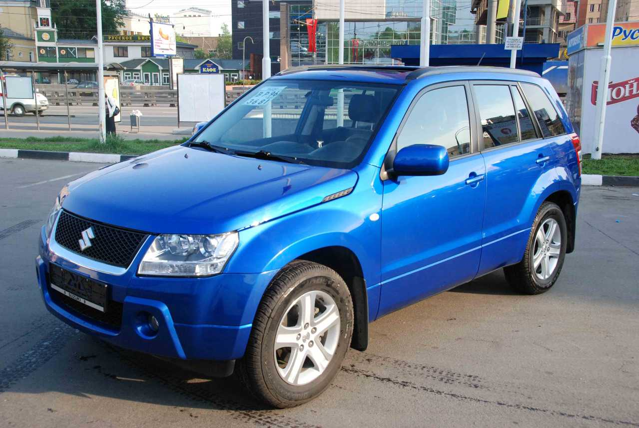 Suzuki Vitara  Speed Manual  Door