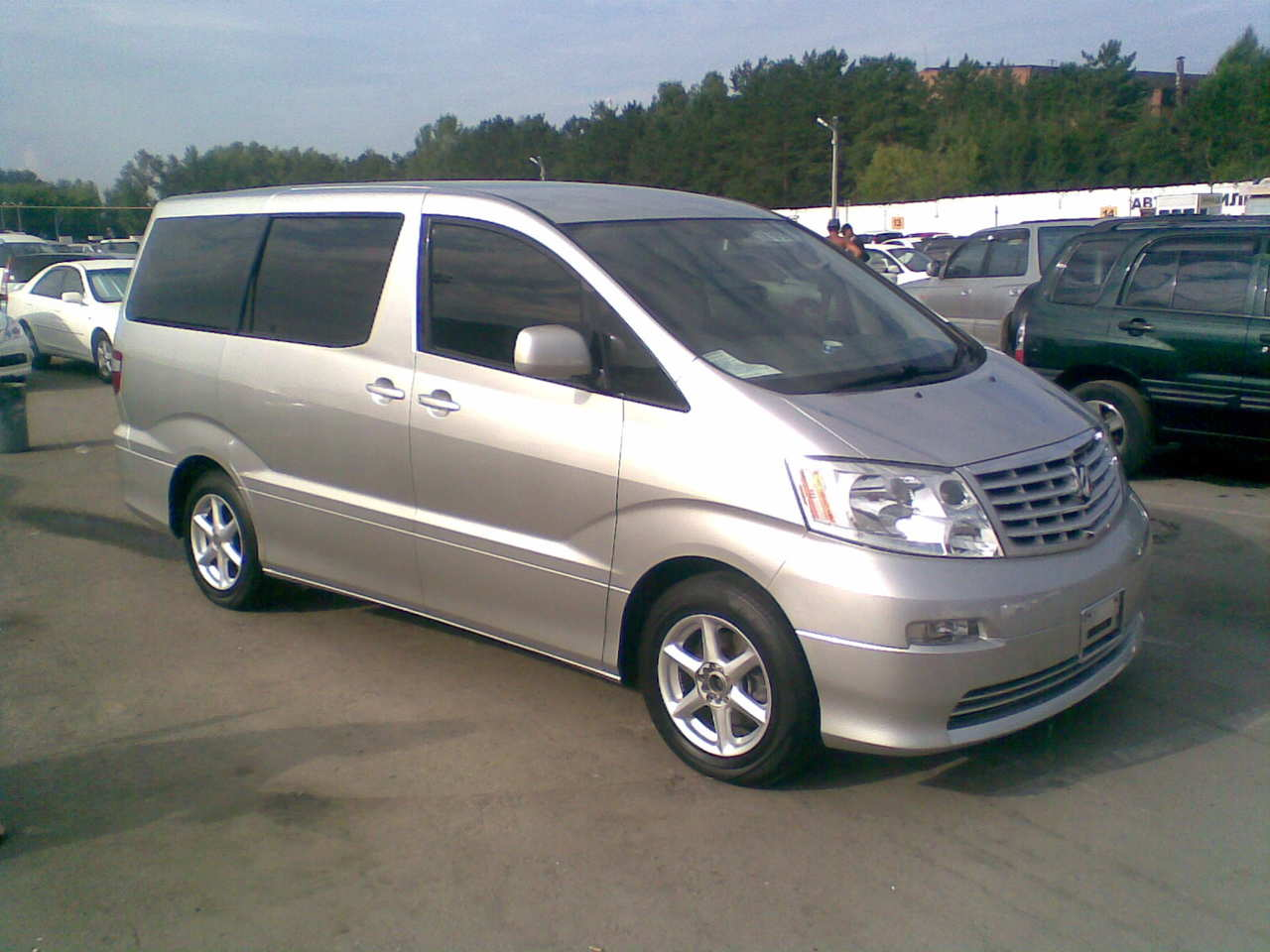 2004 Toyota Alphard Pictures