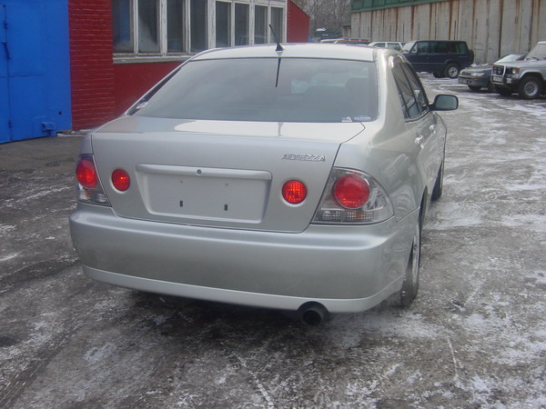2001 Toyota Altezza Pictures