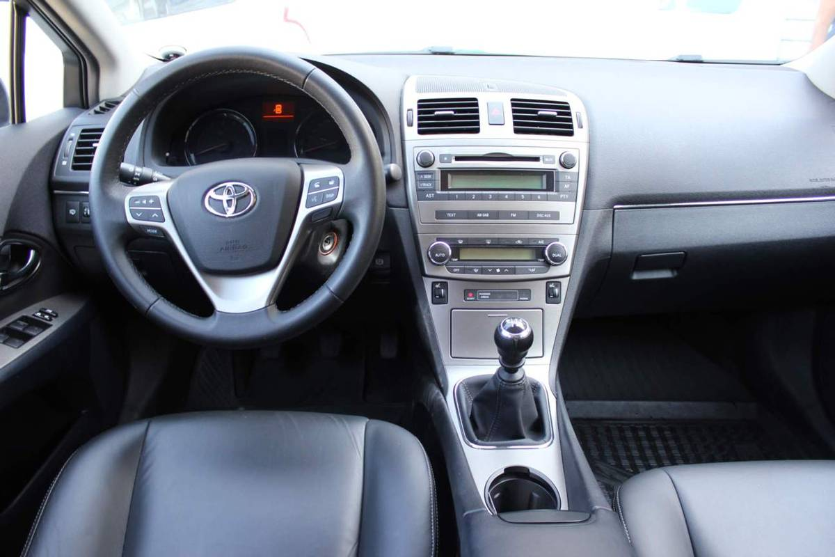 2011 toyota avensis pictures 1 8l gasoline ff manual for sale rh cars directory net Toyota Alphard 2017 Toyota Avensis
