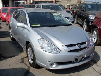 2002 Toyota Caldina Photos