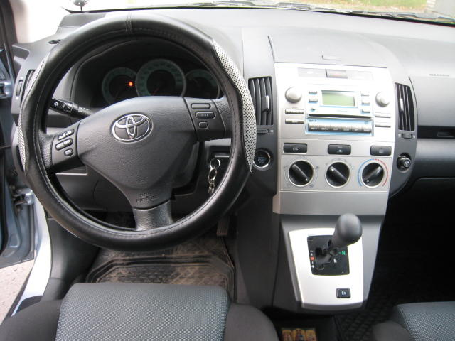2005 toyota corolla verso pictures gasoline ff. Black Bedroom Furniture Sets. Home Design Ideas