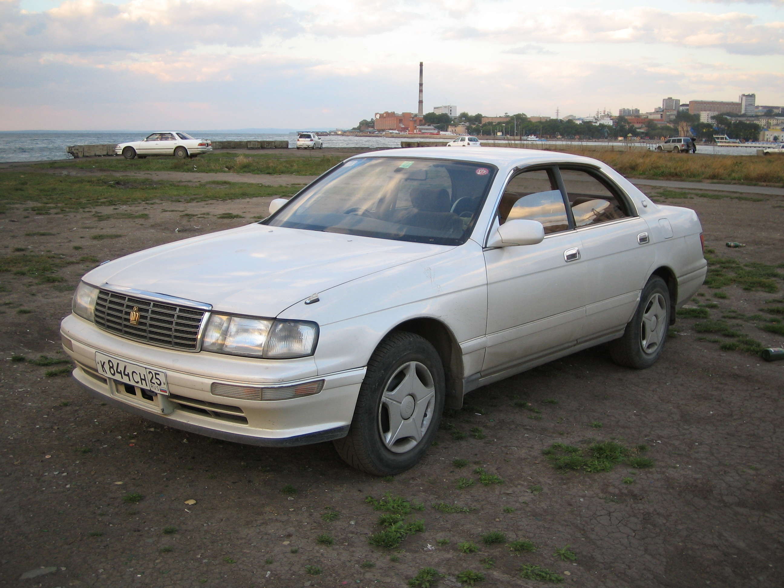 toyota crown pictures 2500cc gasoline fr or rr automatic for sale
