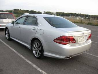 2009 Toyota Crown Pictures