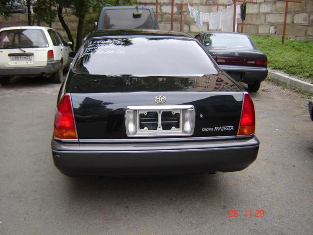 toyota crown majesta 1995