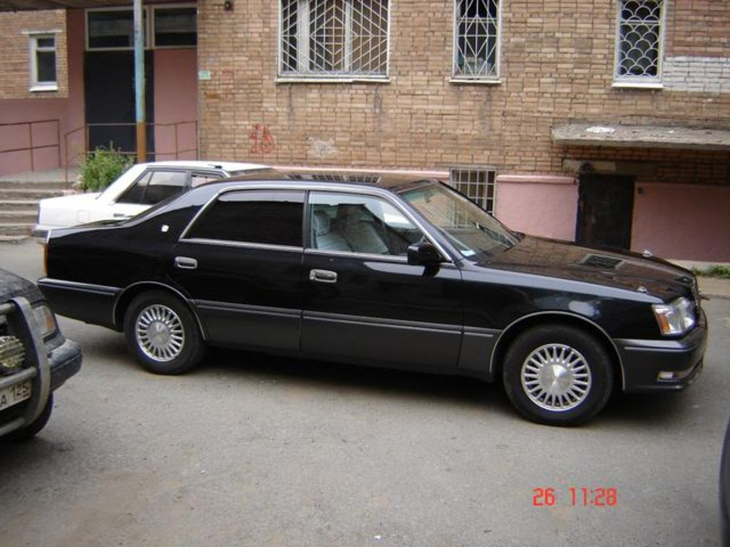 1995 Toyota Crown Majesta Pictures