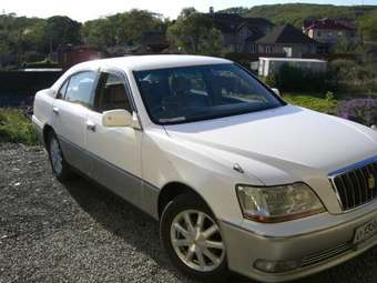 2000 Toyota Crown Majesta