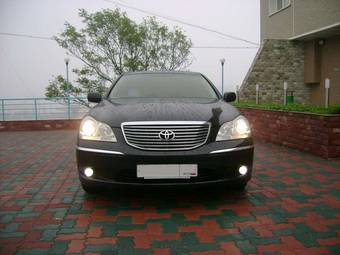 2004 Toyota Crown Majesta Pictures