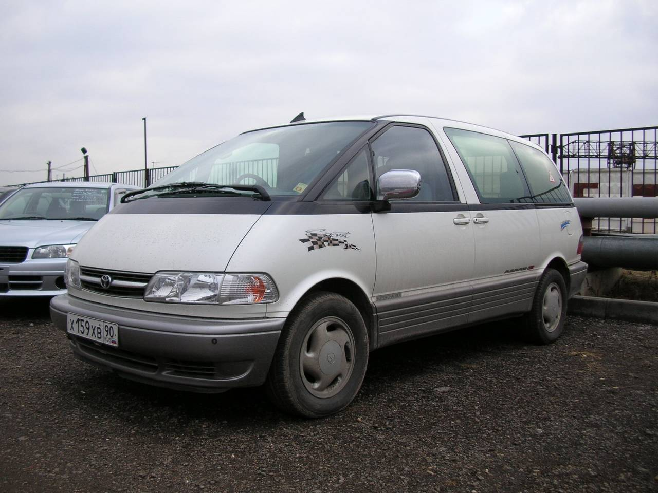 Used 1998 Toyota Estima Photos