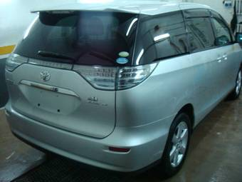 2007 Toyota Estima Photos