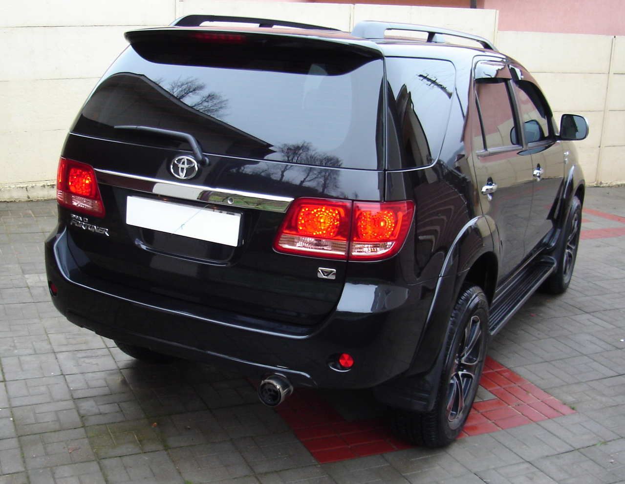 Used 2008 Toyota Fortuner Wallpapers 3 0l Diesel