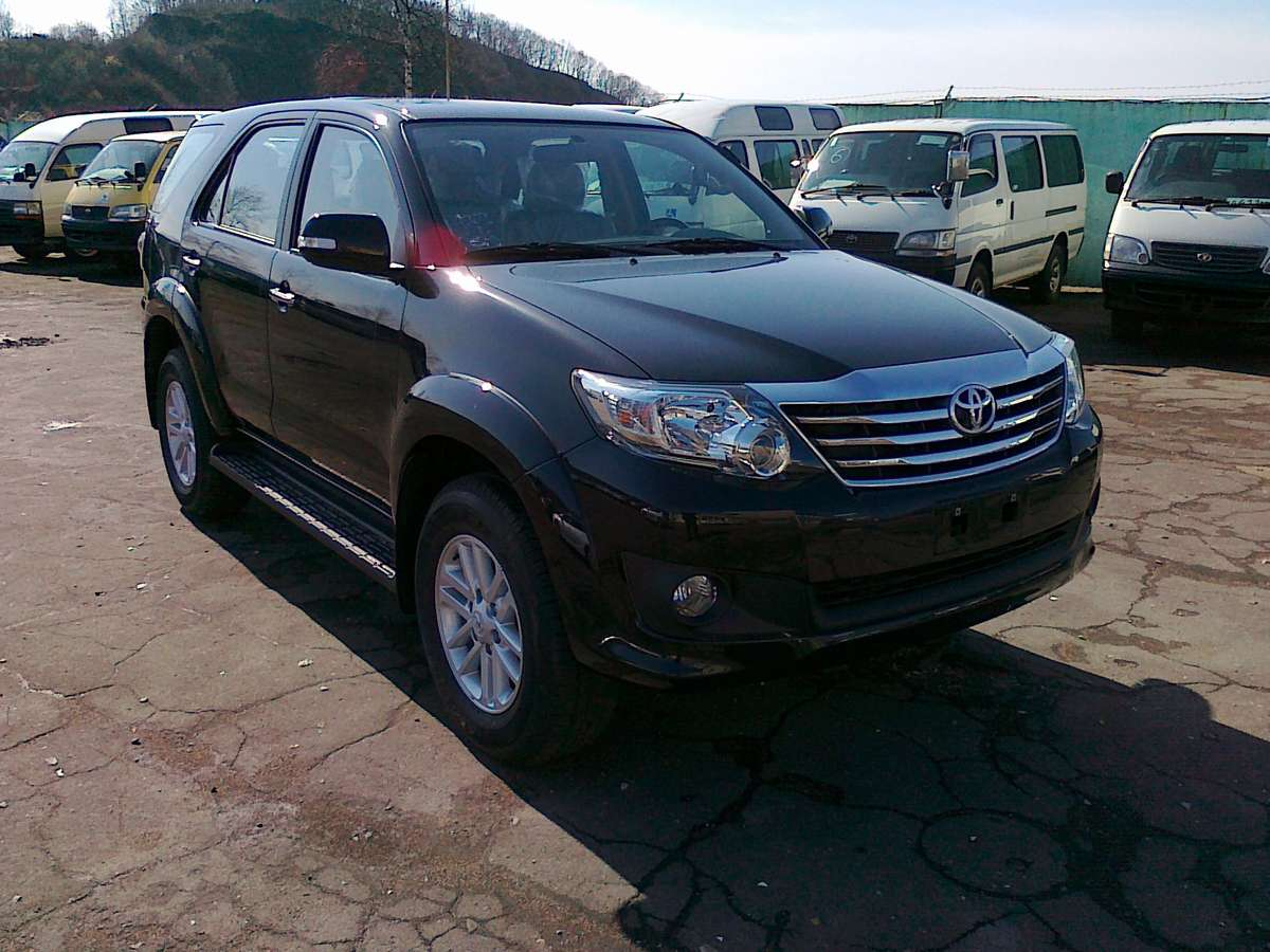 Photo 1 enlarge photo 1200x900 2012 toyota fortuner photos