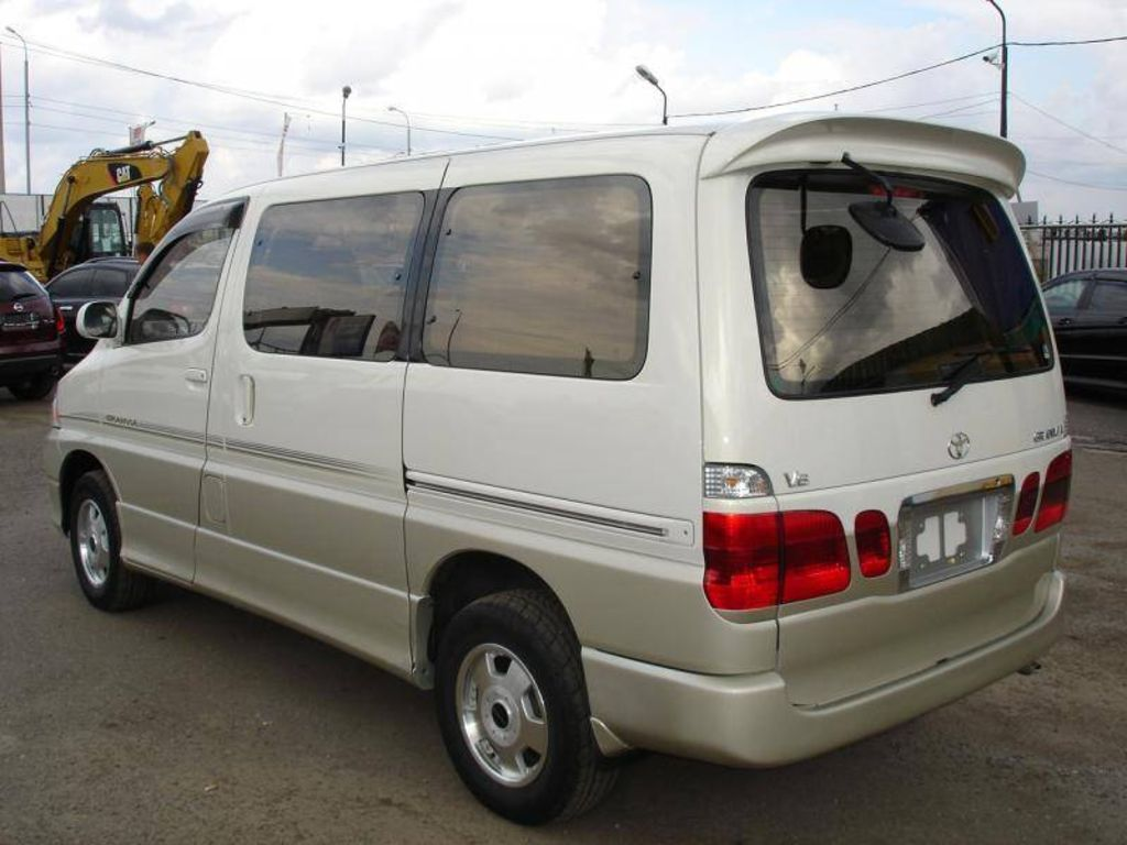 2001 Toyota Granvia Pictures, 3000cc., Diesel, Automatic For Sale