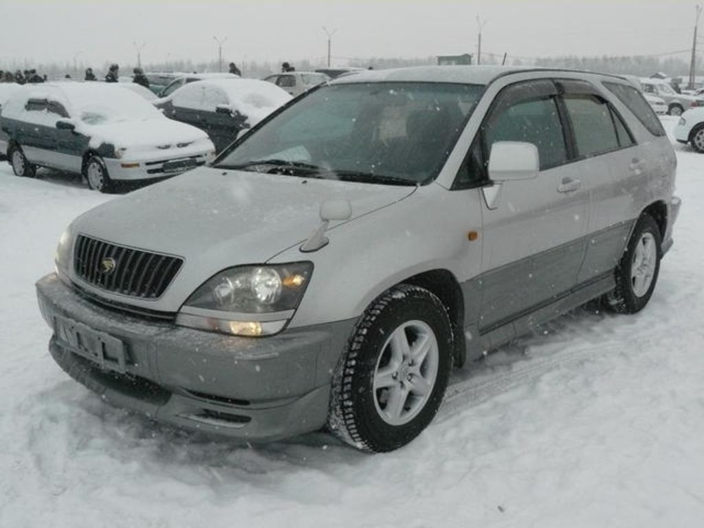 1998 Toyota Harrier Pictures