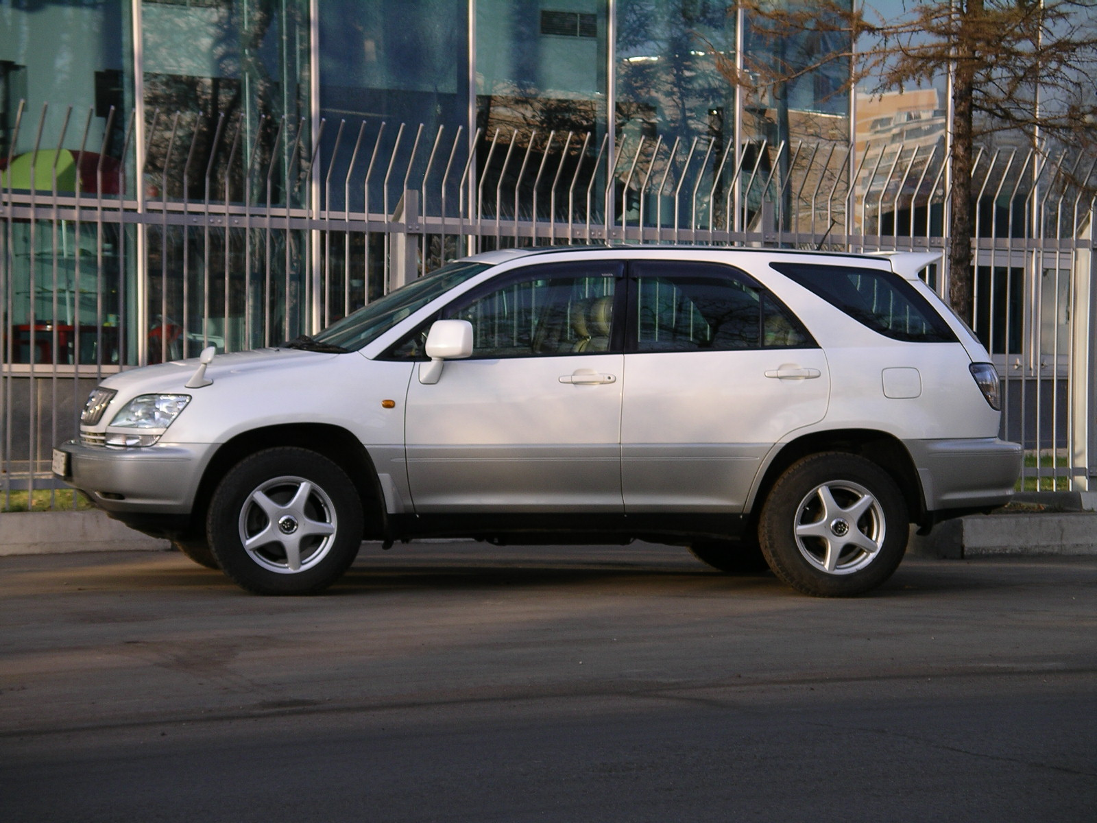 2001 Toyota Harrier Pictures 2994cc Gasoline Automatic