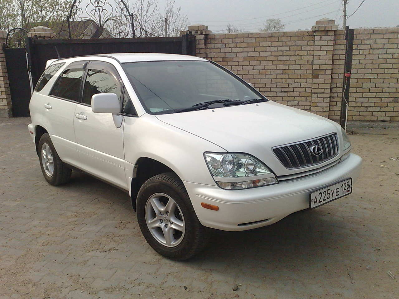 Used 2002 Toyota Harrier Photos 2400cc Gasoline Ff