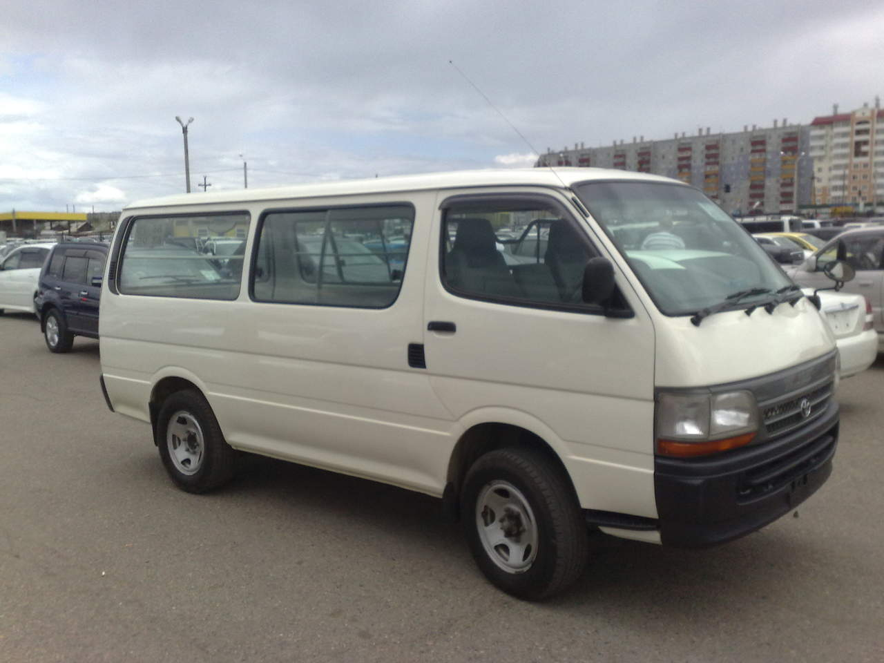 Model  Specifications And Equipment Have Been Sourced From RedBook And Are Based On Manufacturer Standard Specifications Actual Specifications For This Vehicle May Differ, Please Confirm With The Seller  Specifications And Equipment Have