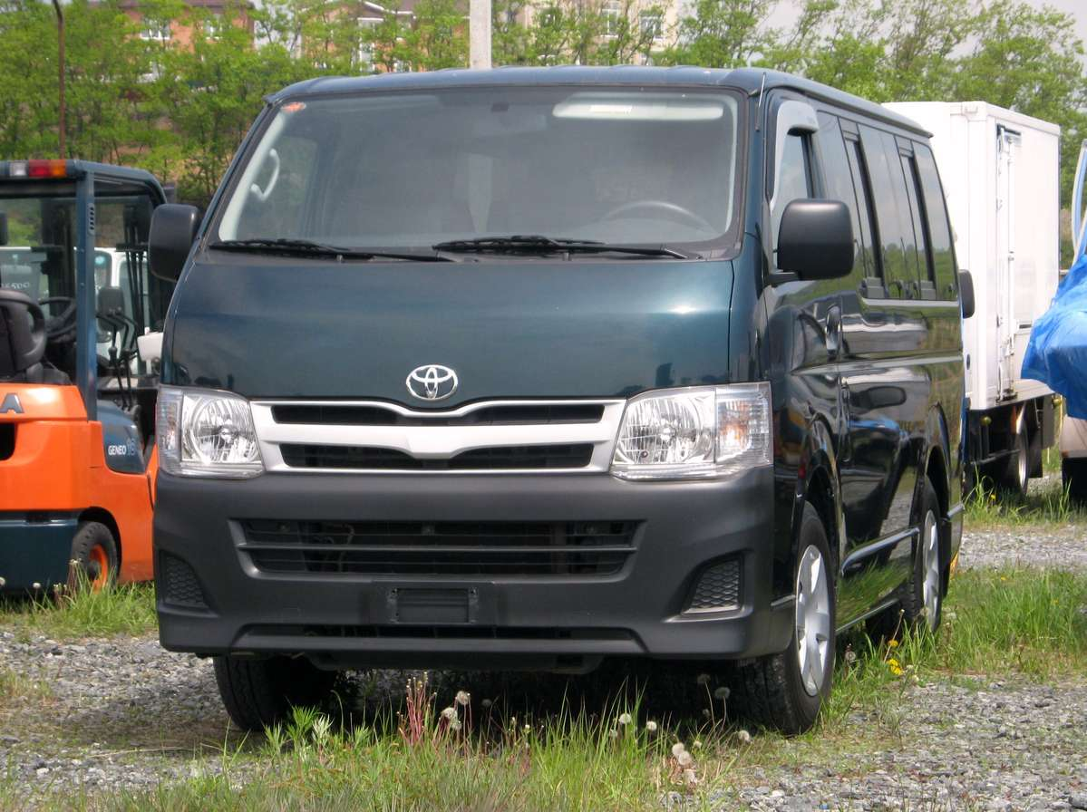 Model Used 2009 Toyota Hiace Photos 2438cc Gasoline FR Or RR Manual For
