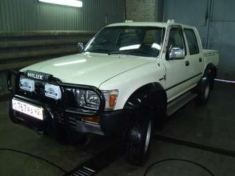 1989 Toyota Hilux PICK UP Images