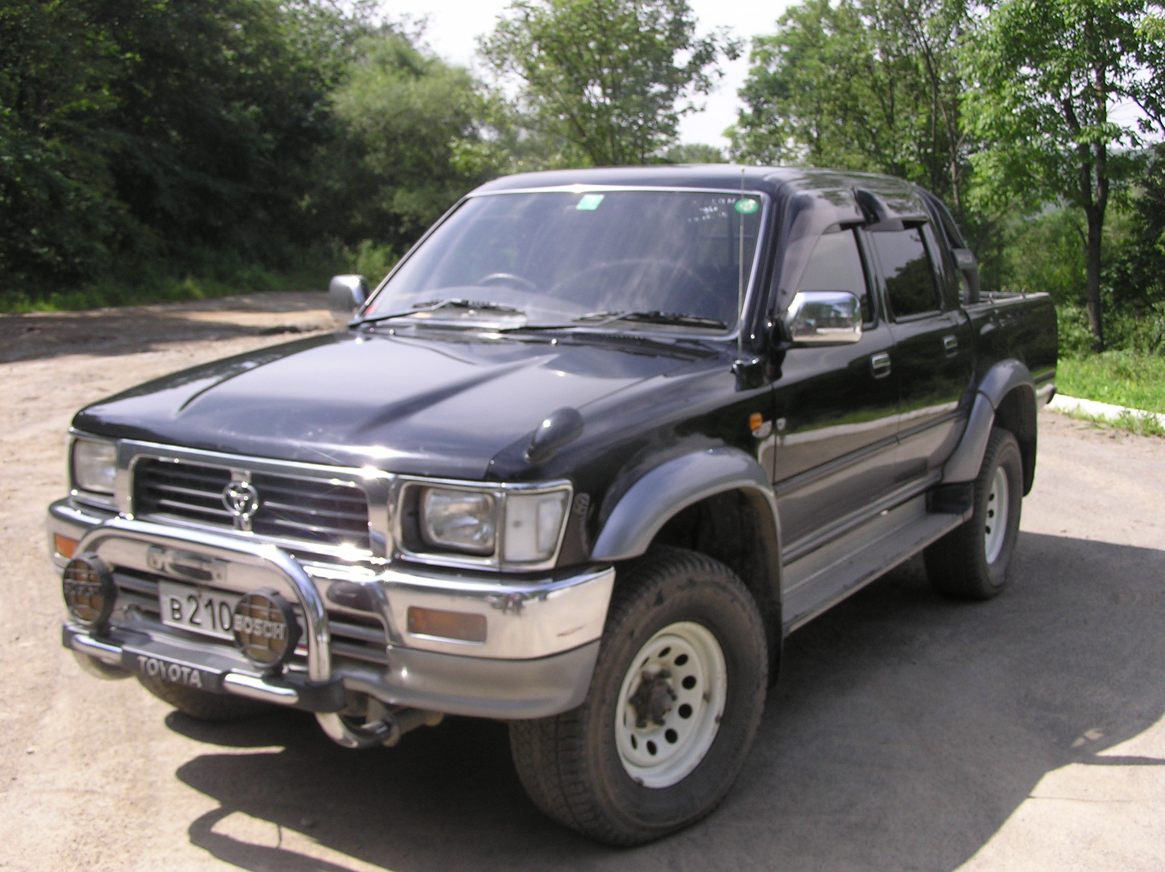 1996 toyota hilux pick up pictures 2446cc diesel automatic for sale. Black Bedroom Furniture Sets. Home Design Ideas