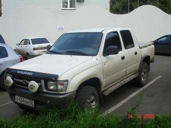 2001 Toyota Hilux PICK UP Wallpapers