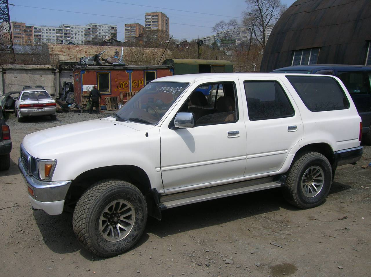 1990 Toyota Hilux Surf Pictures