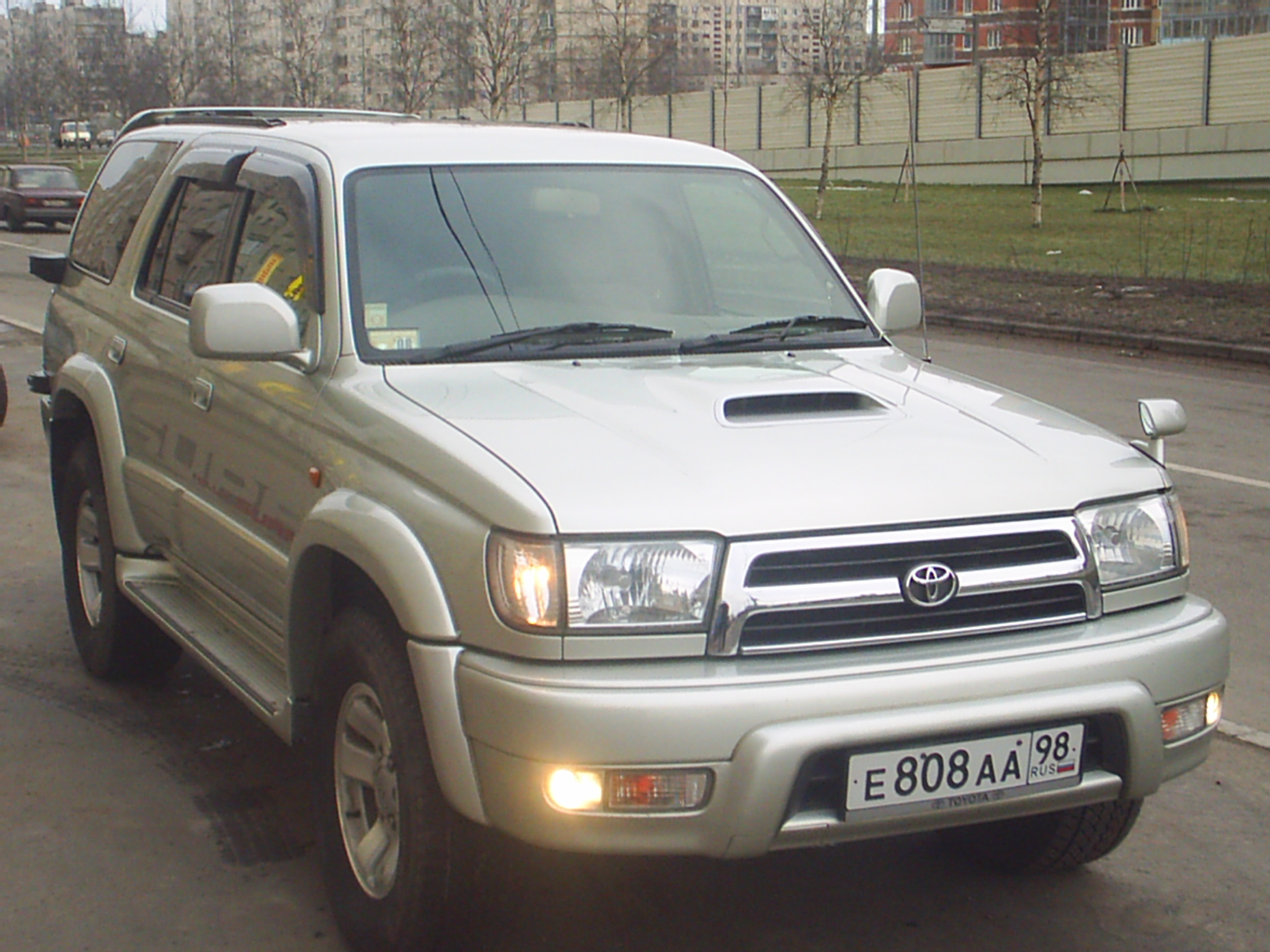 1999 Toyota Hilux Surf Pictures