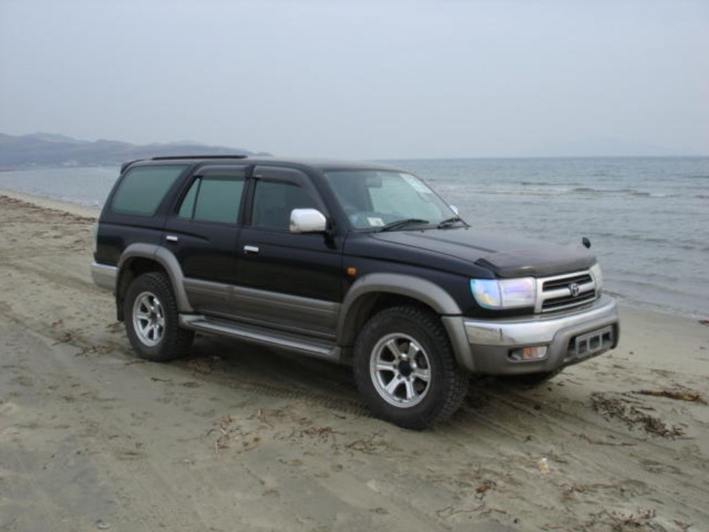 2000 Toyota Hilux Surf Pictures
