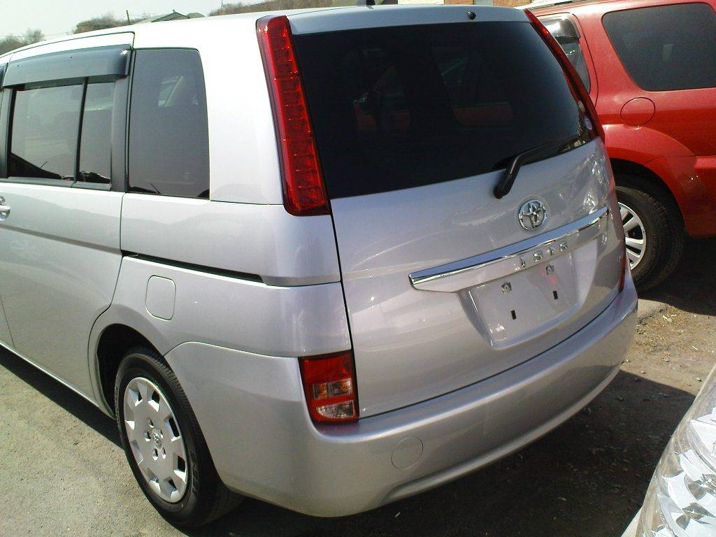 2010 Toyota Isis For Sale 1800cc Gasoline Ff
