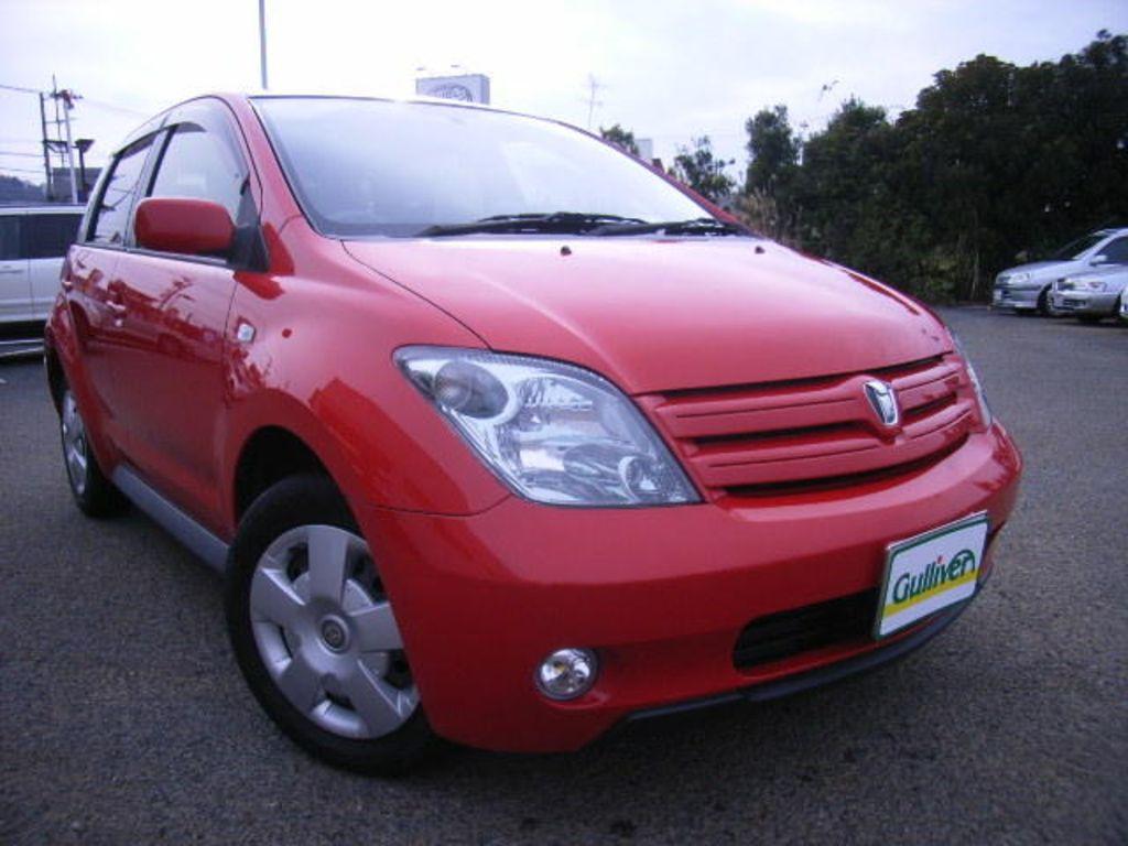 2005 Toyota Ist Photos