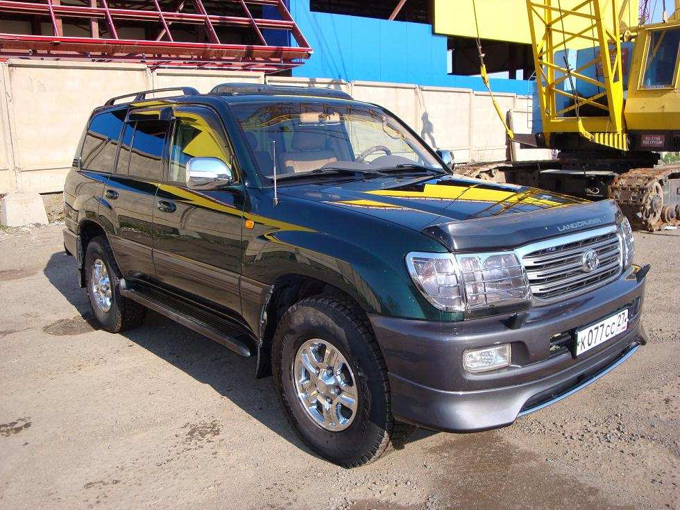 Toyota Landcruiser 2004. 2004 Toyota LAND Cruiser Photo