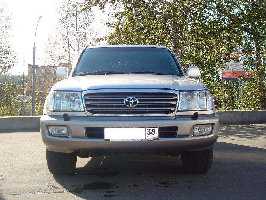Toyota Landcruiser 2004. 2004 Toyota LAND Cruiser