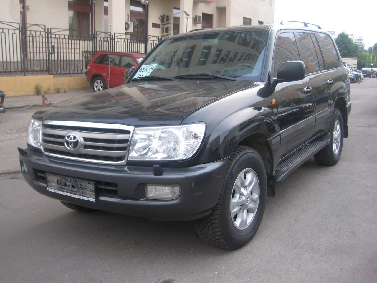 2005 toyota land cruiser photos 4 2 diesel automatic for sale. Black Bedroom Furniture Sets. Home Design Ideas