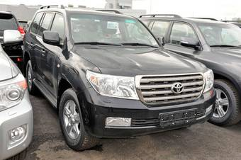 2011 Toyota LAND Cruiser Pictures