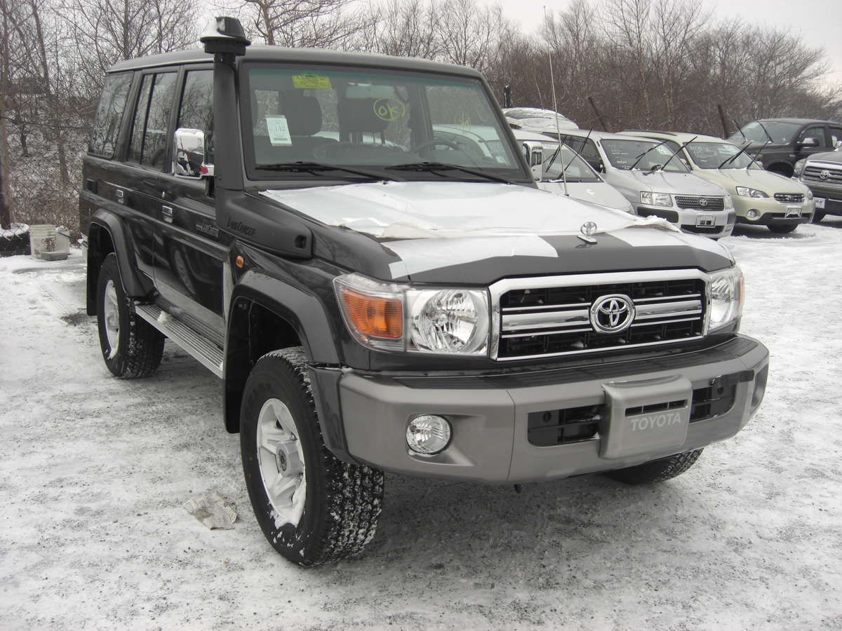 used 2012 toyota land cruiser photos 4200cc diesel manual for sale. Black Bedroom Furniture Sets. Home Design Ideas