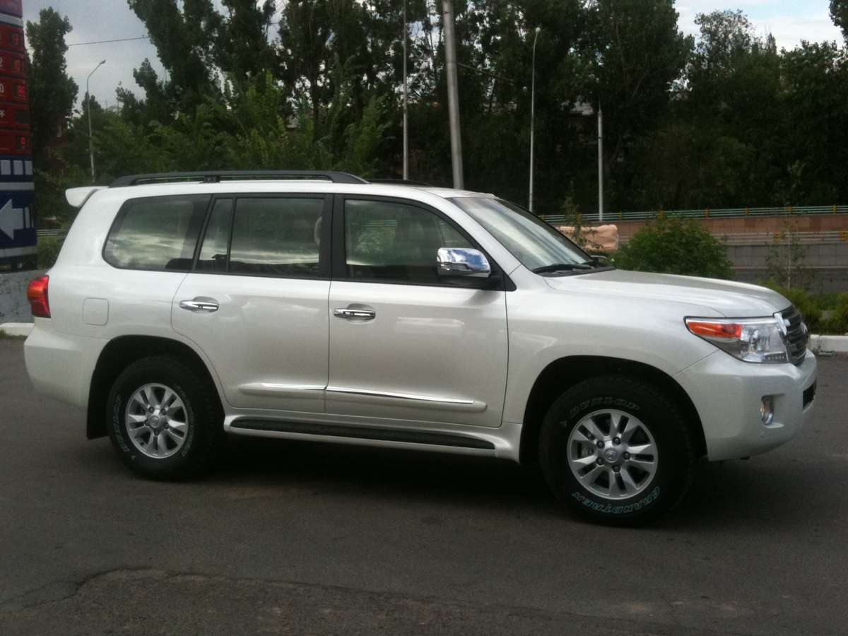 2012 toyota land cruiser pictures gasoline automatic for sale. Black Bedroom Furniture Sets. Home Design Ideas