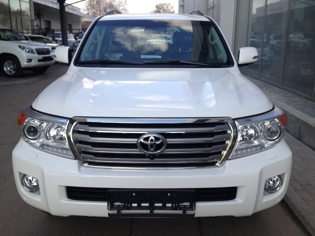 2012 toyota land cruiser photos 4 5 diesel automatic for sale. Black Bedroom Furniture Sets. Home Design Ideas