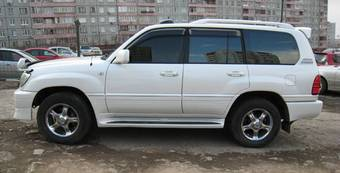 2003 Toyota LAND Cruiser Cygnus Pictures