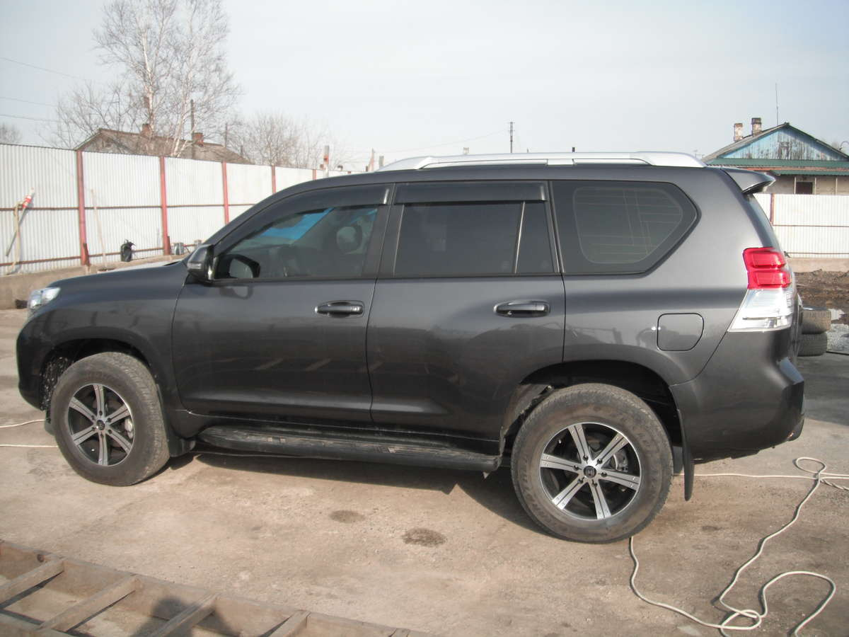 used 2011 toyota land cruiser prado photos diesel automatic for sale. Black Bedroom Furniture Sets. Home Design Ideas