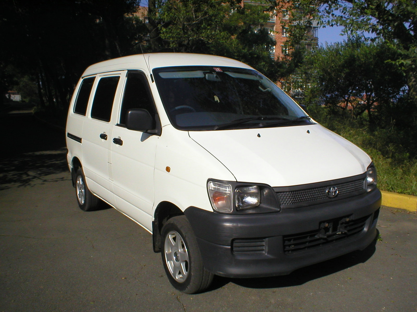 1998 toyota lite ace pictures 1500cc gasoline fr or rr manual rh cars directory net toyota lite ace manual pdf toyota town ace noah manual