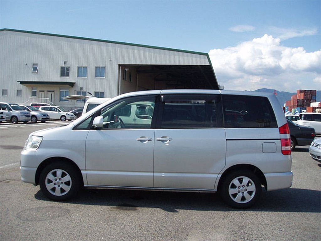 named toyota voxy used toyota noah 2003 toyota noah photos photo 6