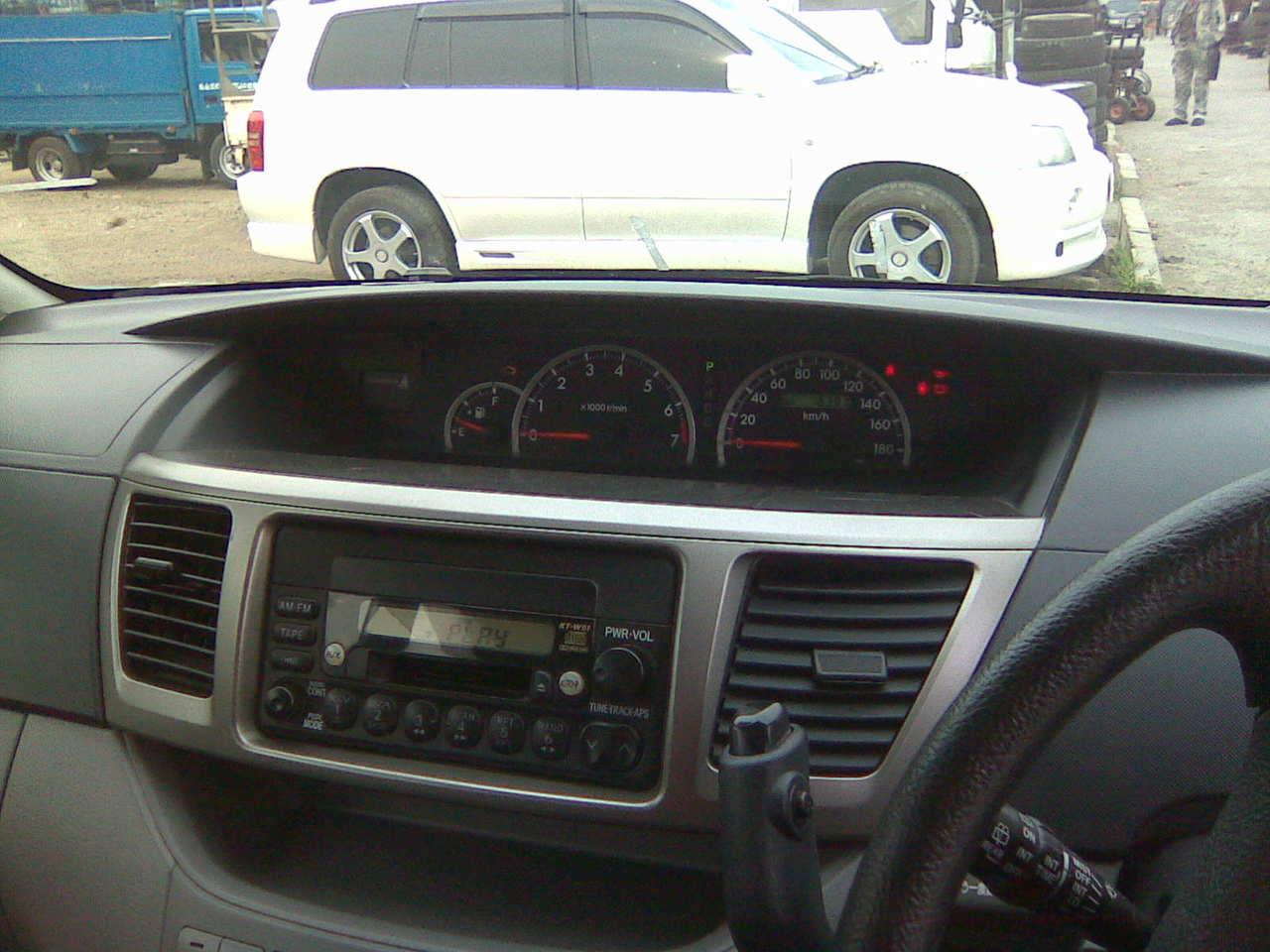 2004 Toyota Noah Pictures  2 0l   Gasoline  Ff  Automatic