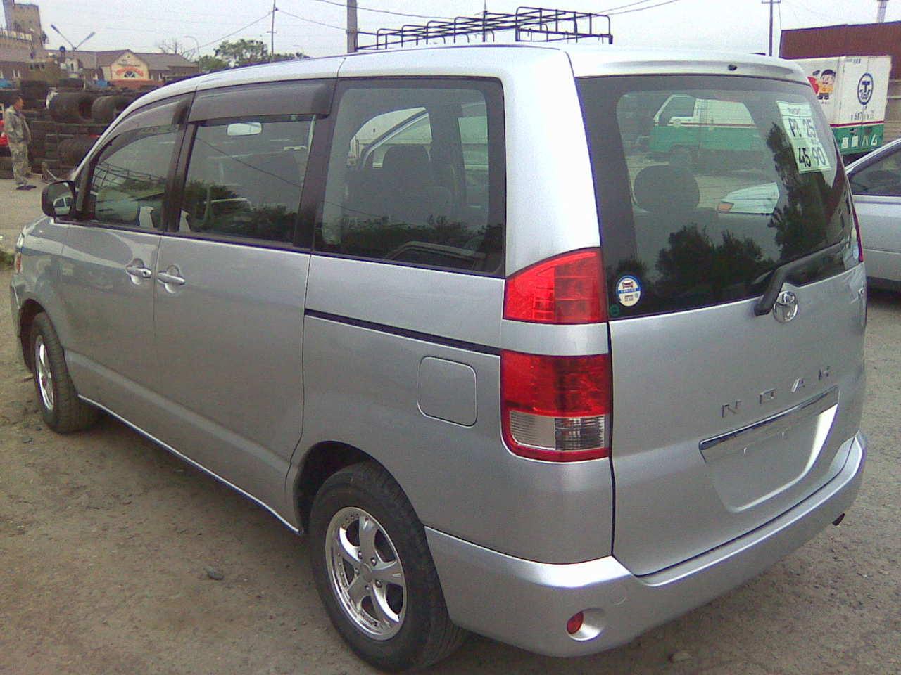 2004 Toyota Noah Wallpapers  2 0l   Gasoline  Ff